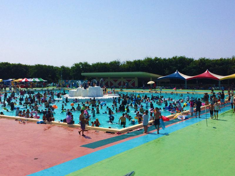 金沢健民海浜プールの混雑