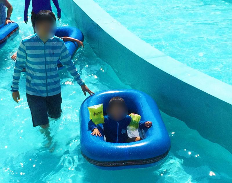 金沢健民海浜プールの流れるプール