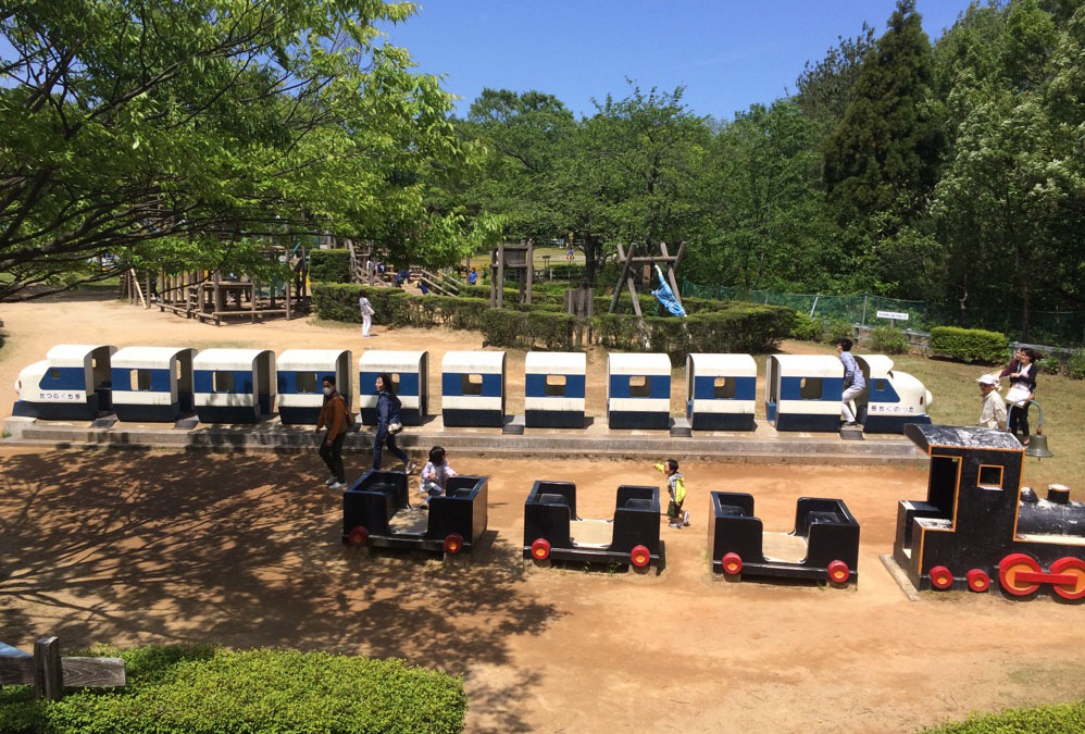 辰口丘陵公園の新幹線遊具