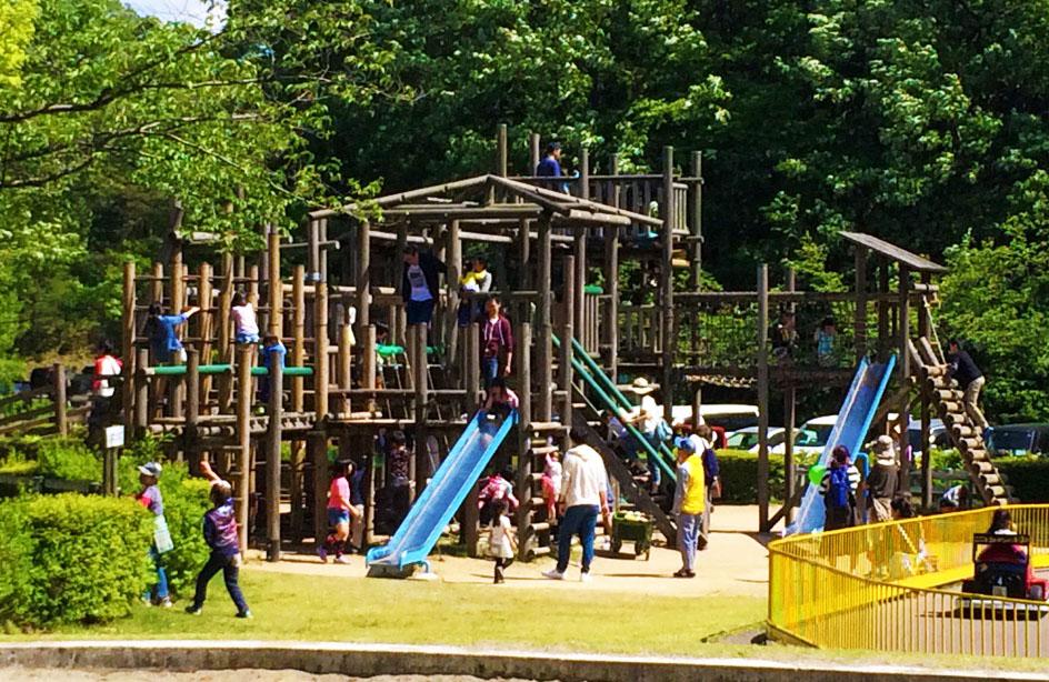 辰口丘陵公園の大型遊具