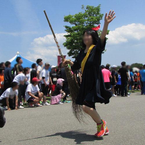 金沢城リレーマラソン魔女の宅急便コスプレ