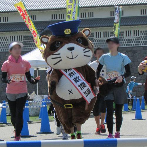金沢城リレーマラソンぽん太コスプレ
