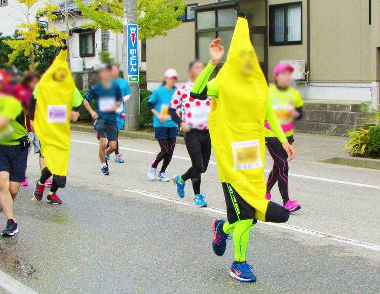 バナナ金沢マラソンコスプレランナー