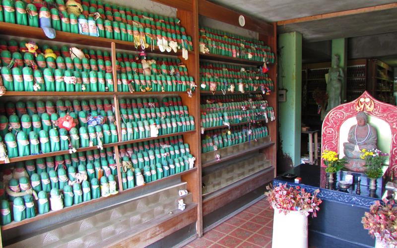 ハニベ巌窟院の水子供養